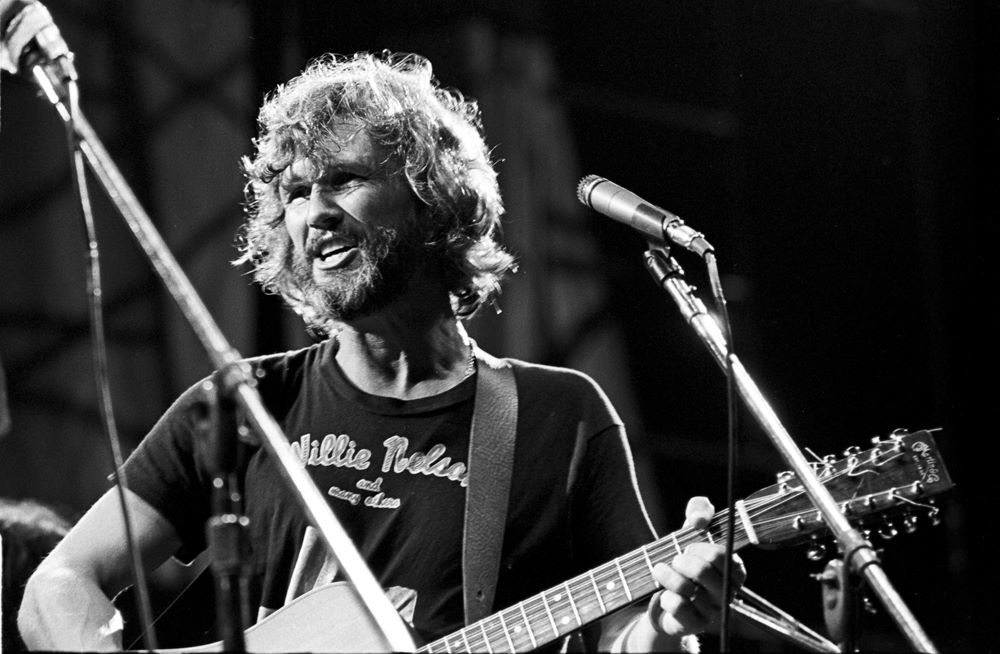 Kris Kristofferson - Live at the Isle Of Wight Festival 1970.jpg