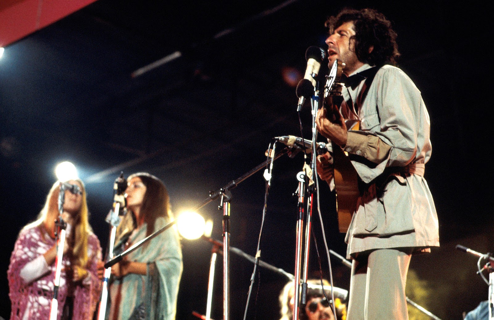 Leonard Cohen - Live At The Isle Of Wight 1970.jpg