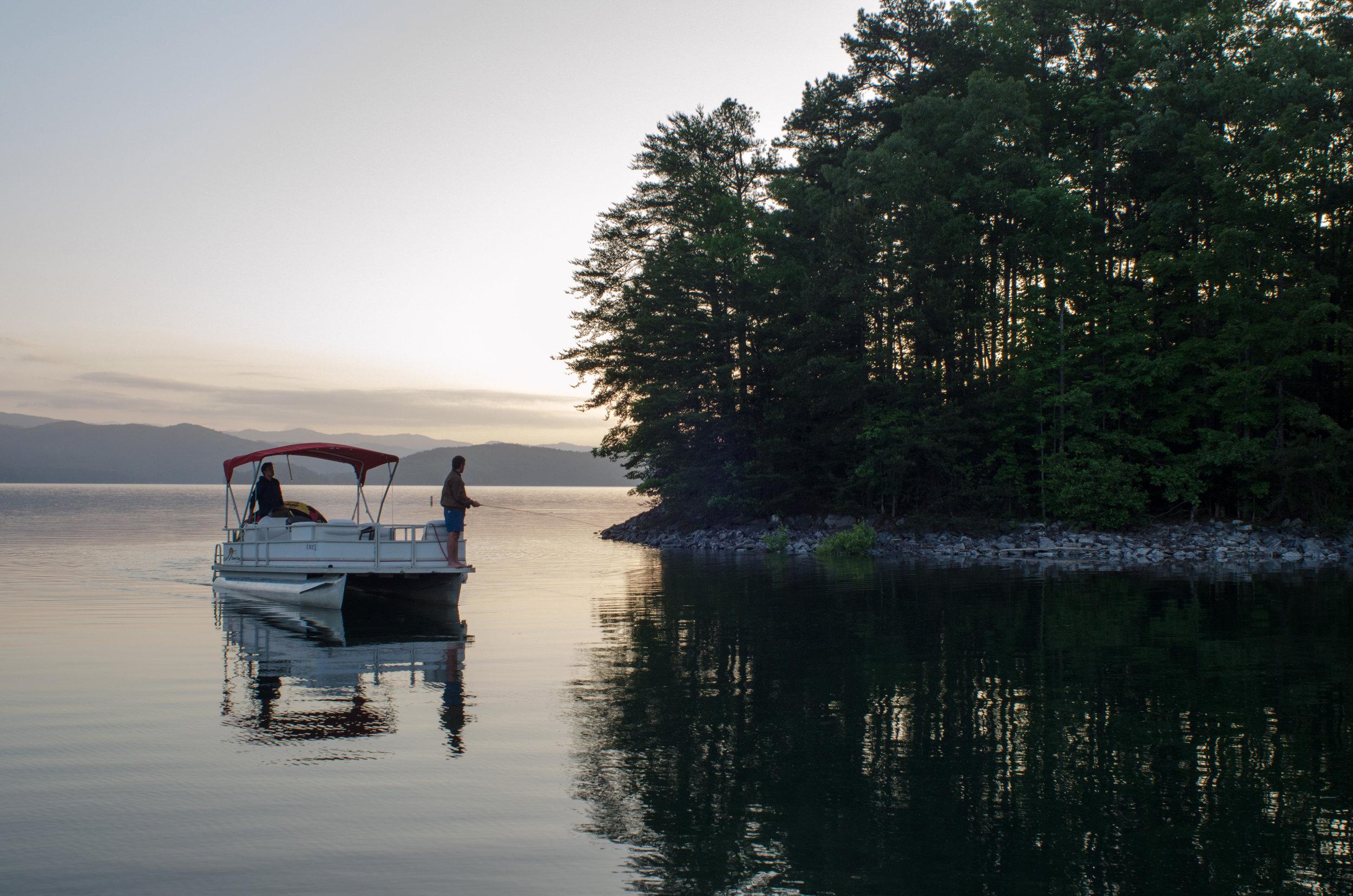Lake Jocassee.jpg