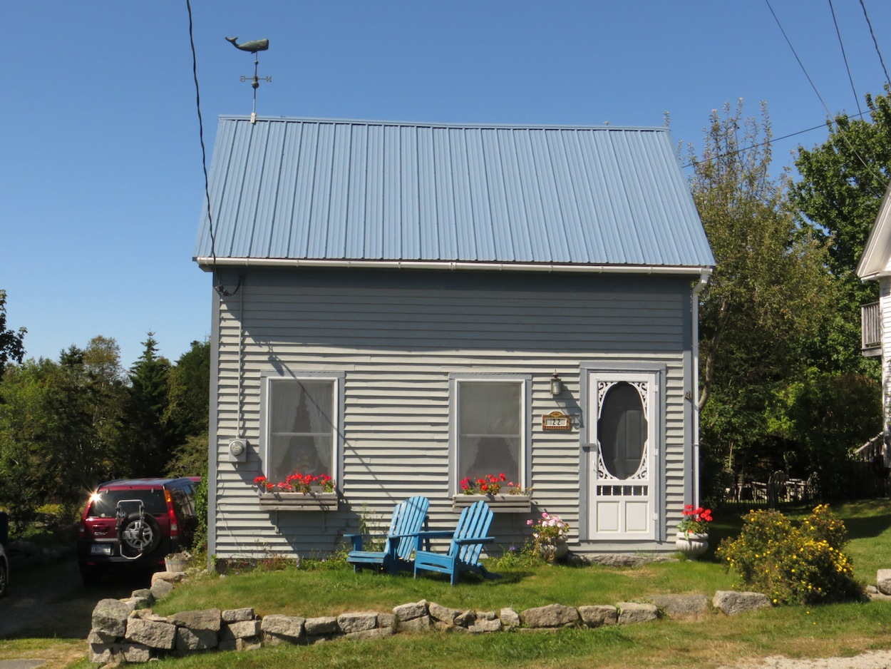 better front of the cottage.JPG