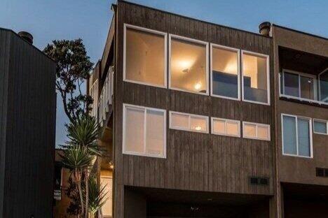 4303 The Strand - Manhattan Beach, CA 90266$2,415,000   Beds: 3   Baths: 3   SqFt: 1,646