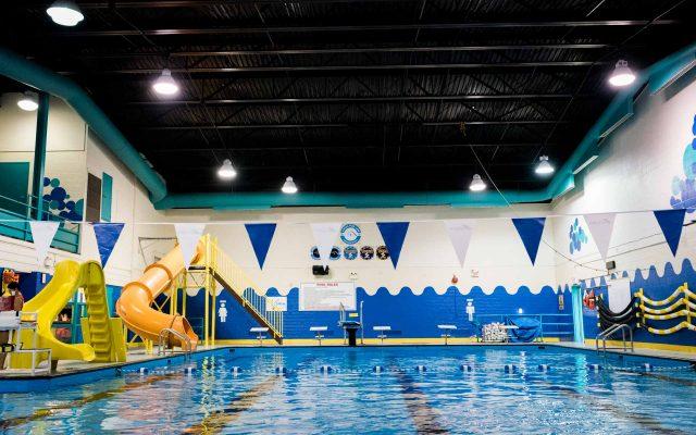 labrador-west-labrador-city-wabush-swimming-pool-viewing-area-640x400.jpg