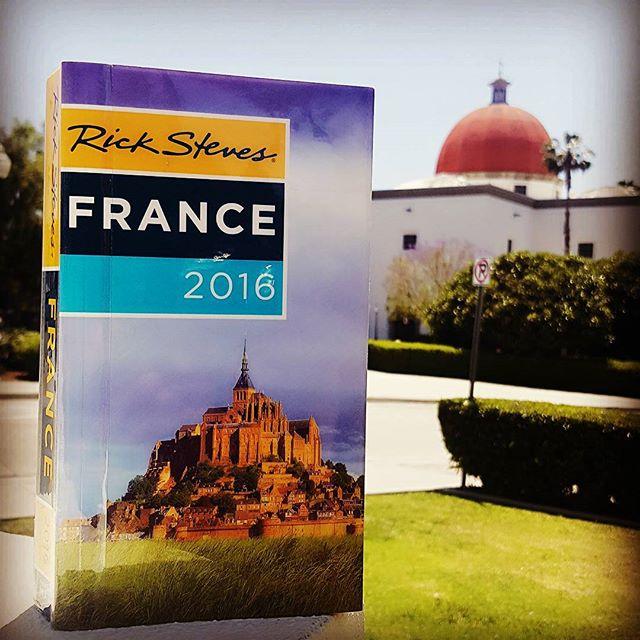 Travel books starting at $1.               #bookoftheday #sanjuancapistrano #bookstore #usedbooks #fotl #friendsofthelibrary #france #paris #ricksteves #europe #