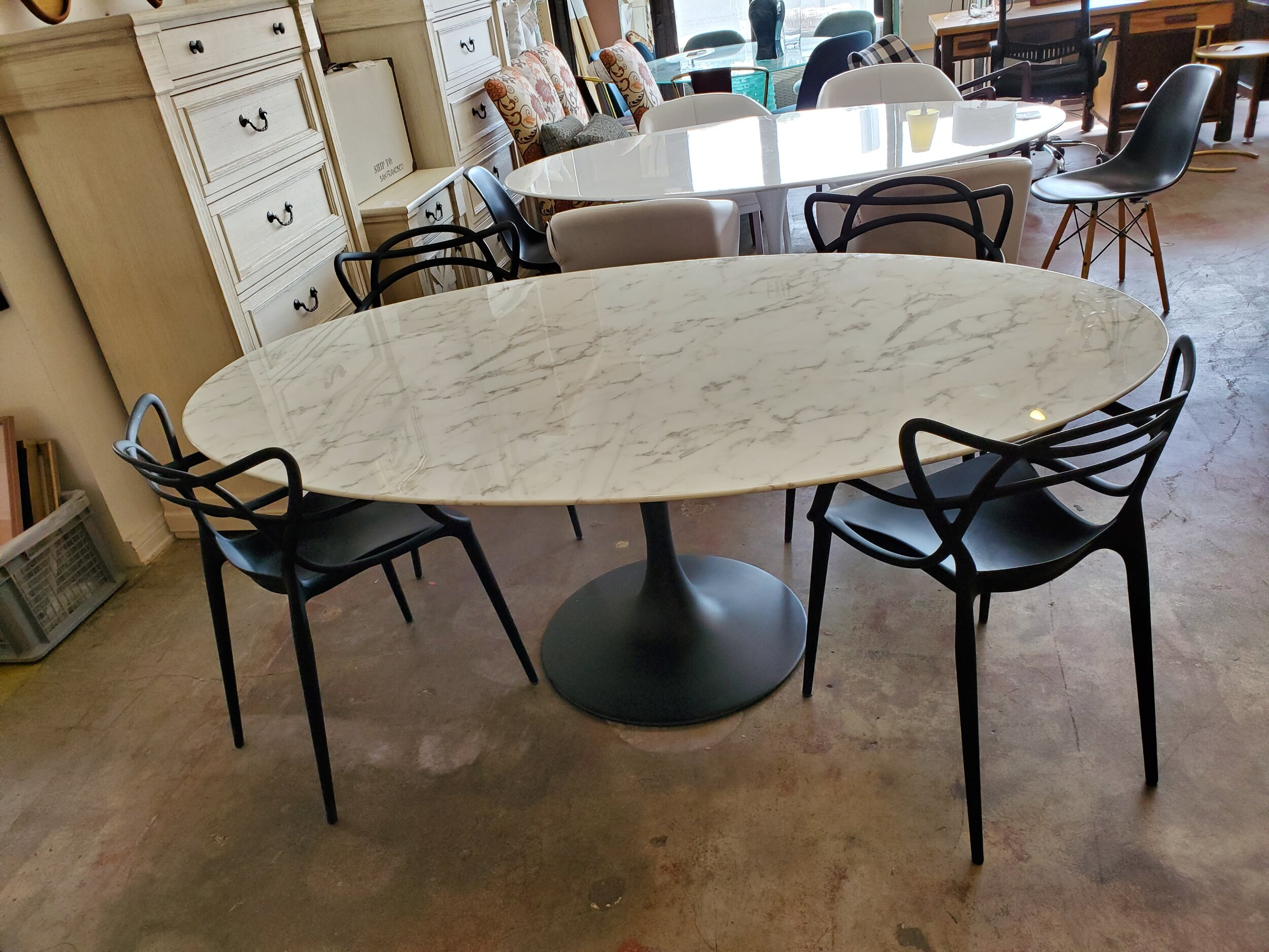 Tulip Style Dining Table W Black Matte