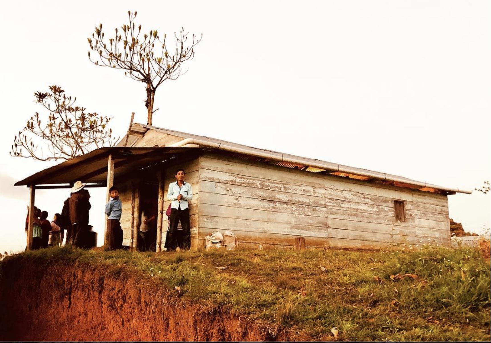 Home in Centro Bahtzel, Chiapas . Photo courtesy of Cooperación Comunitaria