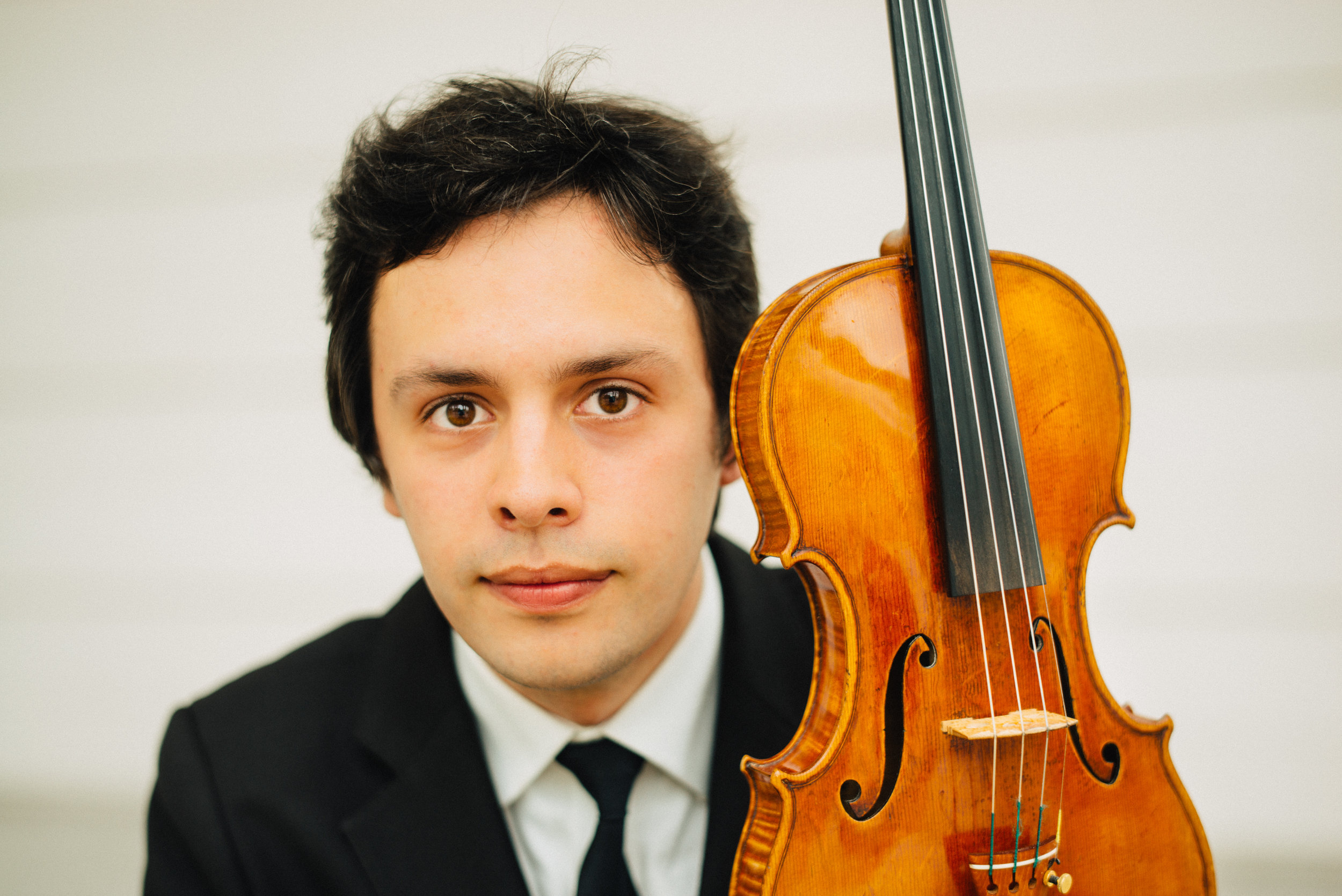 Orest Smovzh, violin - Ukrainian-born violinist Orest Smovzh is currently based in the United States.Born in Lviv - Orest started to play the violin under the guidance of his mother and Nadiya Varyanko. For the past few years he is studying with Midori Gotō and is a student at the Peabody Institute in Baltimore. Orest also studied with Mariya Futorska, Yaroslava Rivnyak, Dmytro Tkachenko, Qian Zhou at Tchaikovsky National Music Academy of Ukraine in Kyiv, Yong Siew Toh Conservatory of Music in Singapore, and USC Thornton School of Music in Los Angeles.Orest collaborated in chamber performances with members of Orchestre des Champs-Élysées, Suntory Hall Chamber Music Academy, pianists Thomas Hoppe, Albert Tiu, cellist Michael Kannen, also working on a diverse chamber repertoire with Bernard Lanskey and Jeffrey Kahane. As a soloist he took part in historically informed performances with Masaaki Suzuki as well as participated in several outreach projects with Midori Gotō in Mexico and USA.Apart from performing, he is a co-founder of Dzenzelivka Classical Week - first Ukrainian chamber music festival in a village, where he was the Artistic Director for 8 years; Collegium Musicum Lviv - one of the most vibrant concert organizations of Ukraine; Melaka Classics – innovative classical music project in Malaysia.Winner of 2015 Tadeusz Wroński Violin Solo Competition and the finalist of 2018 George Enescu Violin Competition, Orest has performed on instruments by Guarneri del Gesù, Jean-Baptiste Vuillaume, Carlo Landolfi, Lorenzo Storioni and Stefan-Peter Greiner, loaned by late Mr Rin Kei Mei and private collections.He also had the pleasure of lessons with Vadym Repin, Ilya Gringolts, Ivry Gitlis, Gyorgy Takacs-Nagy, Nigel North, Pierre Amoyal, Nam Yun Kim, Petru Munteanu, Kszysztof Węgrzyn, Takashi Shimizu, David Takeno and Norman Fischer.Orest's artistic geography includes numerous countries in Europe, Asia, North America and Australia..