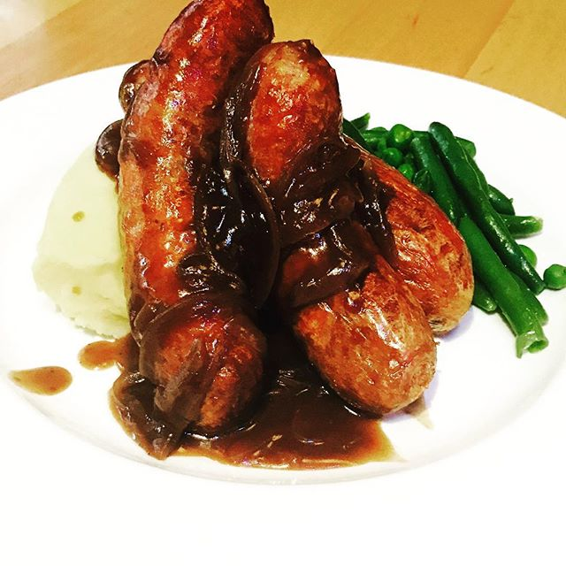 Need something to beat the cold weather? How about some traditional Bangers & Mash for just $15. With 3 Bangers and your choice of Angus Beef & Worcestershire, Pork & Sage or Lamb Bangers.  #bangers #bangersandmash #woolloongabba #woolloongabbahotel #pubfood #brisbanefood