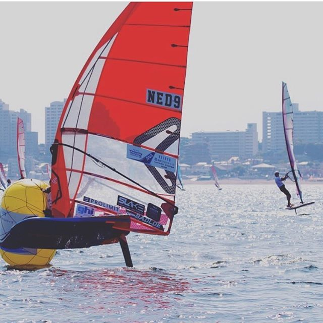 Kiran had one for a little while now, since pwa japan. It's his go to boom and loves the curve and lightweight. #pieterbijlwindsurfing #kiranbadloe
