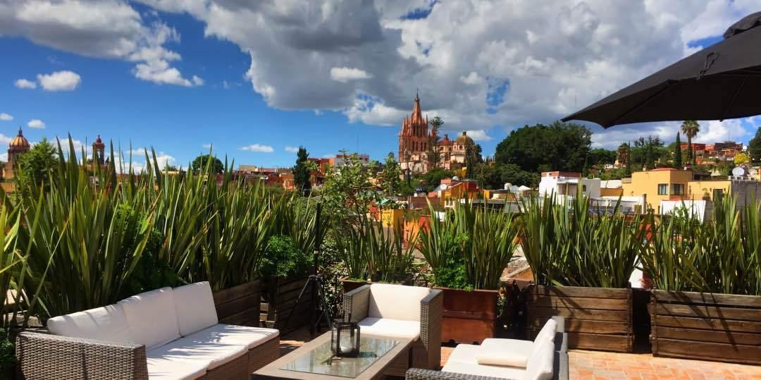 Nena Hotel Rooftop Bar -