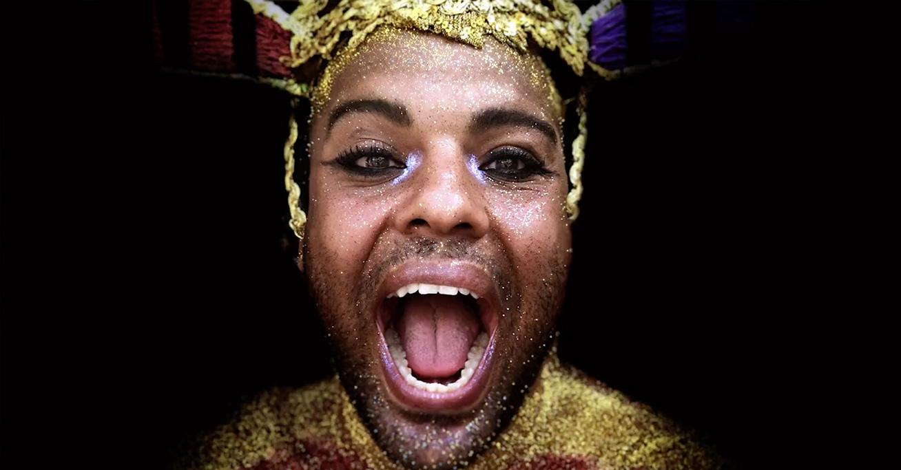 Apple/Carnaval     lew'lara\tbwa