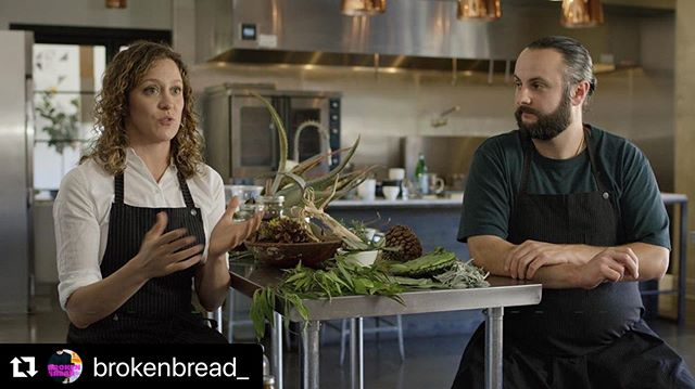TONIGHT:: @kcet @tastemade at 8:30 pm ... watch @chefroychoi enjoy an @sunsetmarinelabs MOON JELLYFISH CRUDO as he thinks through the future of food ... He also breaks bread with the incredible @wearetheveganhooligans and the super progressive @beyondmeat 🌱