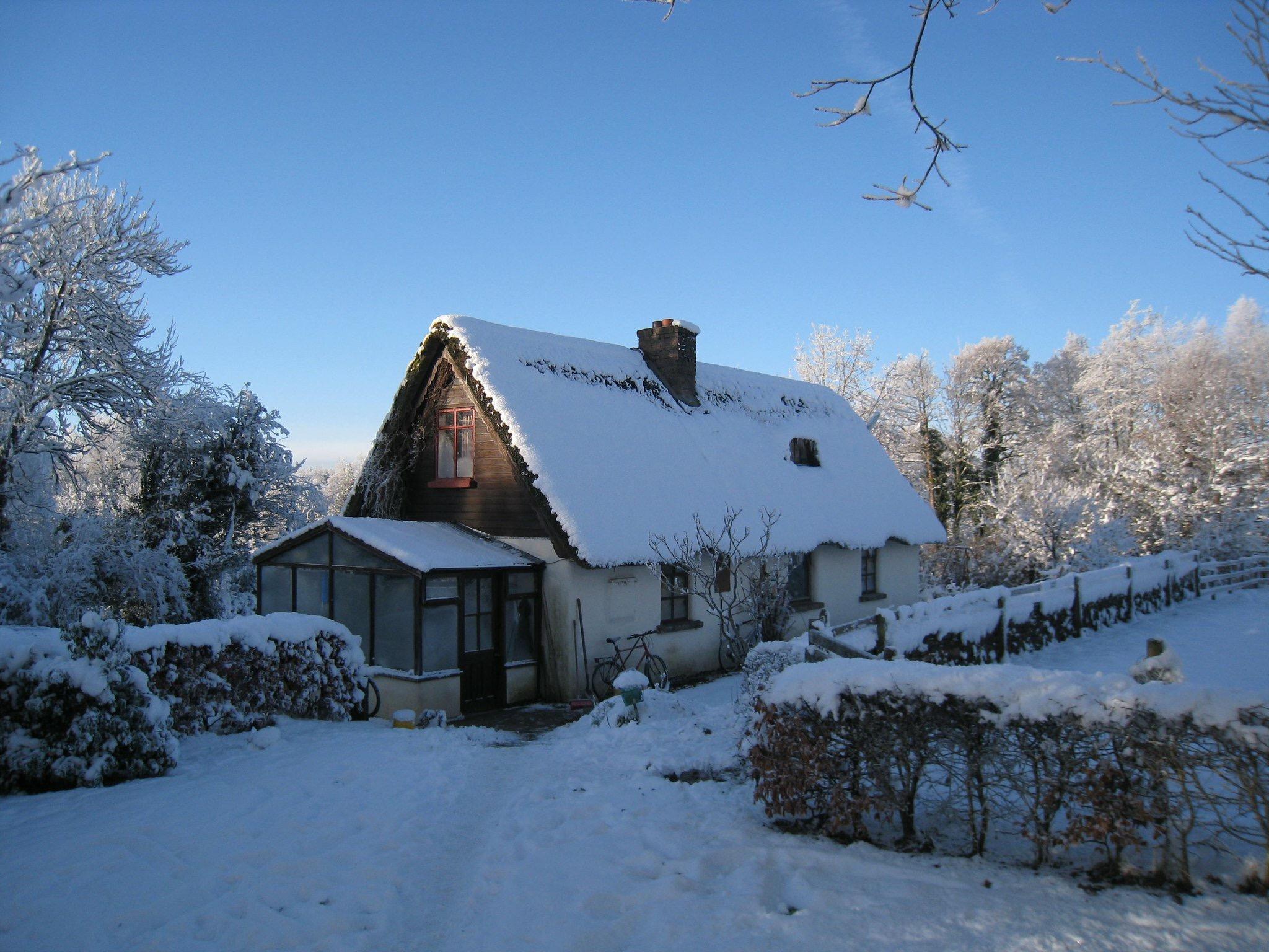 house snow.jpg
