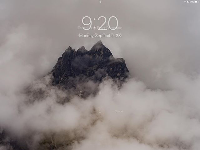 Hey @apple - I have a coupe of new Wallpapers you might like! #nepal #trekkingtoeverest