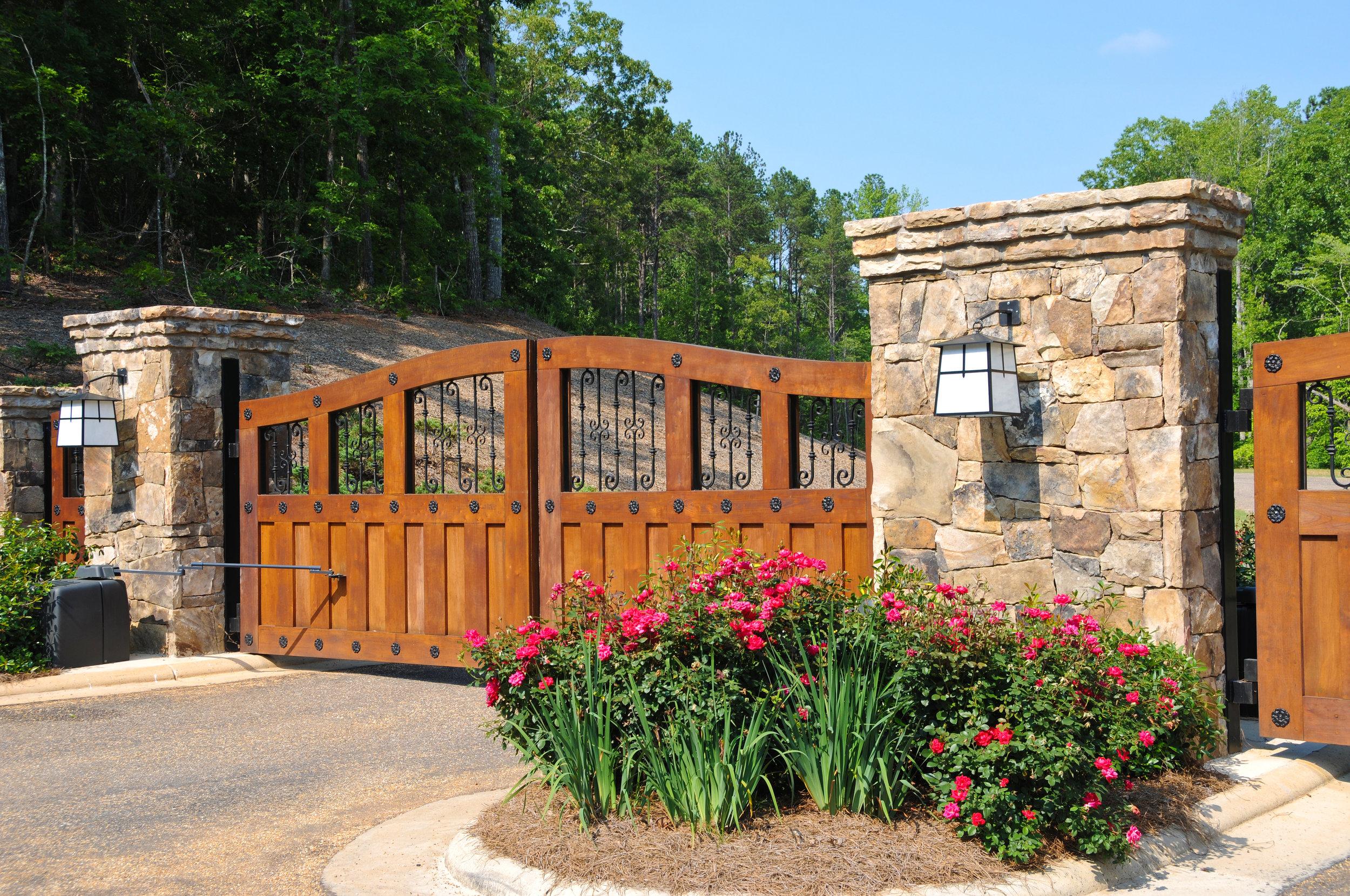 Wood Gates Keller Texas.jpg