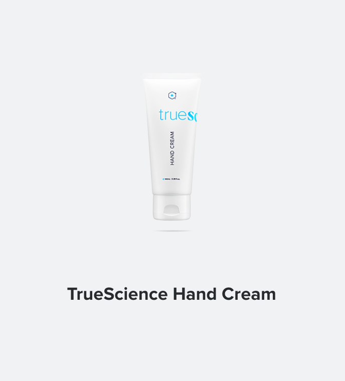 With Nrf2 ingredients, natural oils and shea butter, a potato-based alternative to silicon, and an invigorating grapefruit-eucalyptus fragrance, TrueScience Hand Cream absorbs quickly without the grease.   NOT AVAILABLE IN HONG KONG