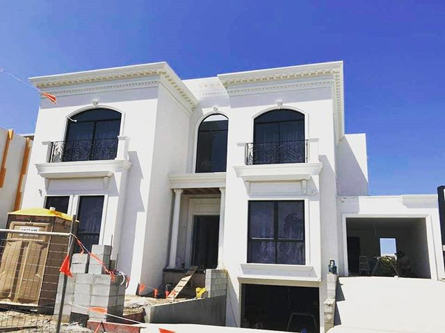 Nice big home, exterior decorating completed by DMC 🏘️ Builder: @coralhomes 🛠️ Cement Render 🛠️ Acrylic Fine Coat 🛠️ EPS Moulds • 📞 Damien: 0412740602 📧 Quotes@dmcrendering.com.au