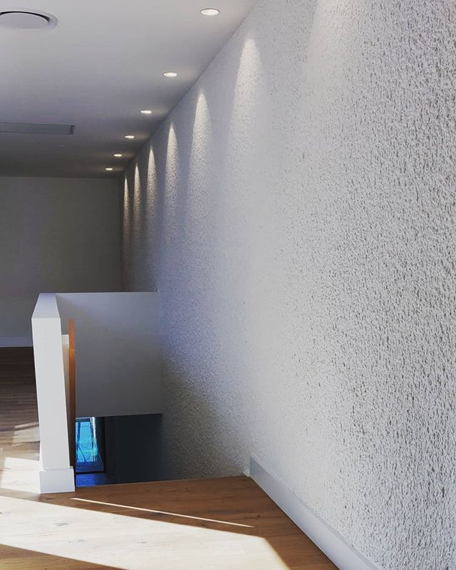 Stuccoed feature wall | Modern - Old school • 📞 Damien: 0412740602 📧 Quotes@dmcrendering.com.au