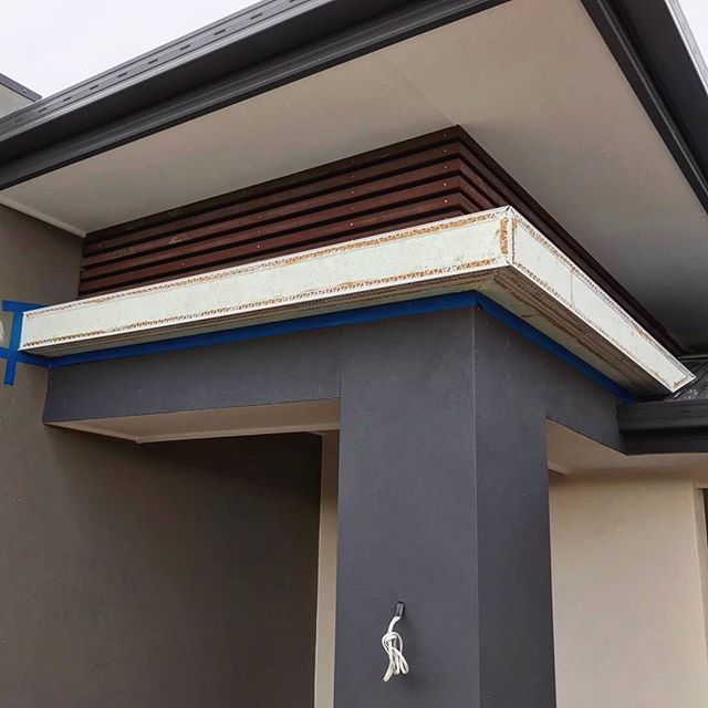 Before ➡️ After These exterior EPS Foam Sun Hoods are great for adding that extra WOW factor to any home. They come in many shapes and sizes, so if you're interested don't hesitate to send us a DM, or contact us via details below! • 📞 Damien: 0412740602 📧 Quotes@dmcrendering.com.au