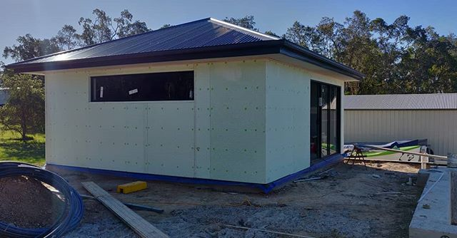 Indoor Gym | Steam Shower Room 🛠️ Exterior wrapped in NRG Green Board, soon to be rendered and painted. 👀  Stay tuned for this space, more content to come... • 📞 Damien: 0412740602 📧 Quotes@dmcrendering.com.au