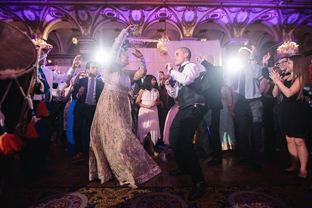 💃🏻🕺 📸- @studioninephoto  Planning - @electrickarma  Decor - @lovedecor.us . . . . . . . . . . #bostonweddings #indiandj #bostondj #hiltonwoburn #indianwedding #indianweddingboston #bostonindianwedding #bostonweddingphotographer #bostonwedding #bostonweddingplanner #bostonweddingvenue #bostondj #bostondjs #indianweddingdj #indianweddingdecor #uplighting #monogram #weddinglighting #bostonweddinglighting #indiandjboston #fairmontcopley #fairmontcopleyplaza #bostonweddingmagazine