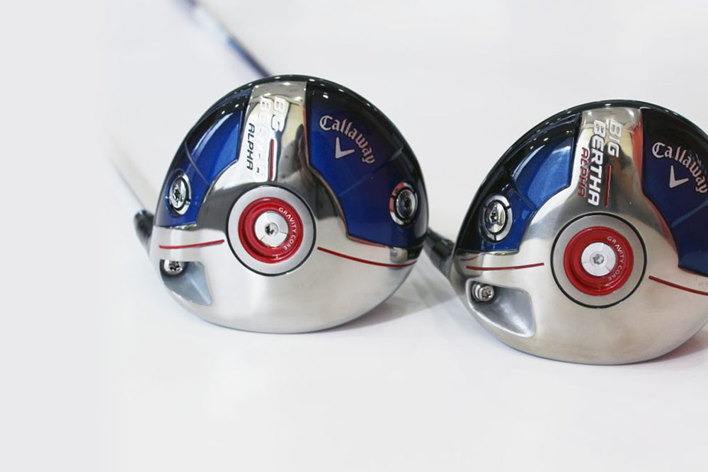 Callaway Drivers - You have to look closely at these Callaway drivers to see the very subtle differences between the two. Notice the different screws used to connect the shaft and the head? How about the slight difference in the center weight? In this picture, the real product is on the left, and the club on the right is counterfeit.