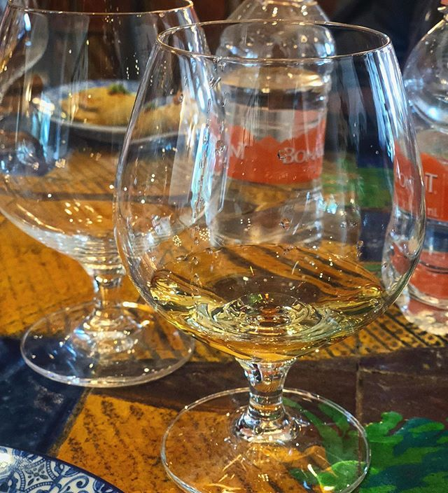 #NationalTequilaDay wouldn't be complete without a tequila tasting in Mexíco. 🥃🇲🇽💃🏽 @hyattzilaracanc #travelingfoodie #foodietravels