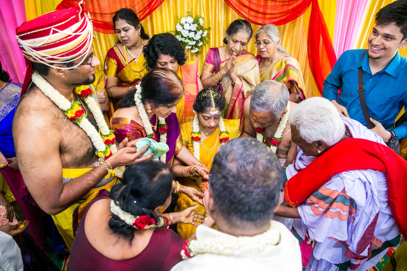 Best_fun_outdoor_Wedding_Photographer_Bangalore-28.jpg