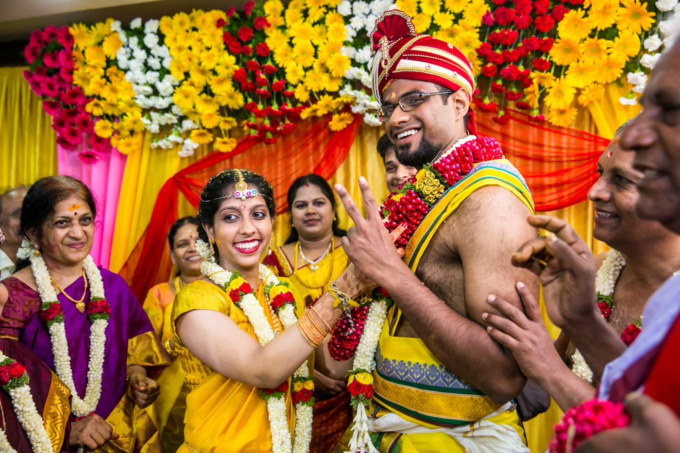 Best_fun_outdoor_Wedding_Photographer_Bangalore-36.jpg
