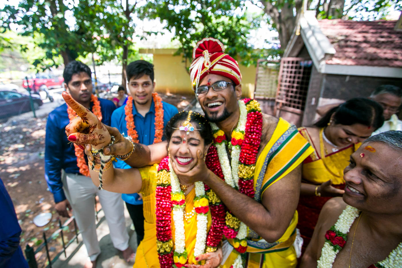 Best_fun_outdoor_Wedding_Photographer_Bangalore-66.jpg