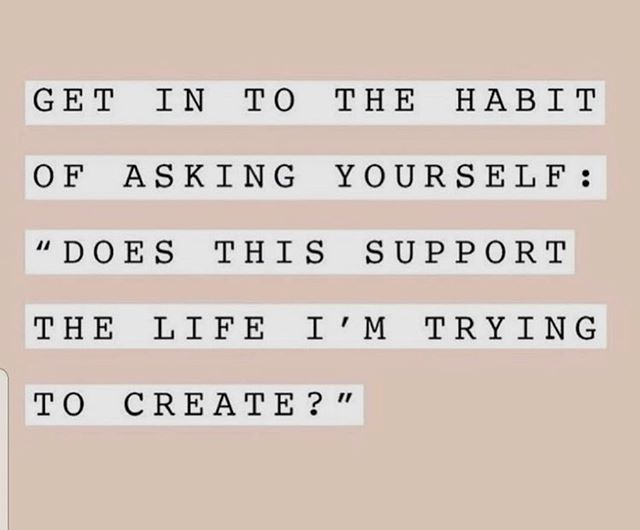 Asking the right questions makes a difference. Live life with intention, friends! . . . . . #wellnessissogangster #wellnessisalifestyle #createameaningfullife #livewithintention #chooseyou