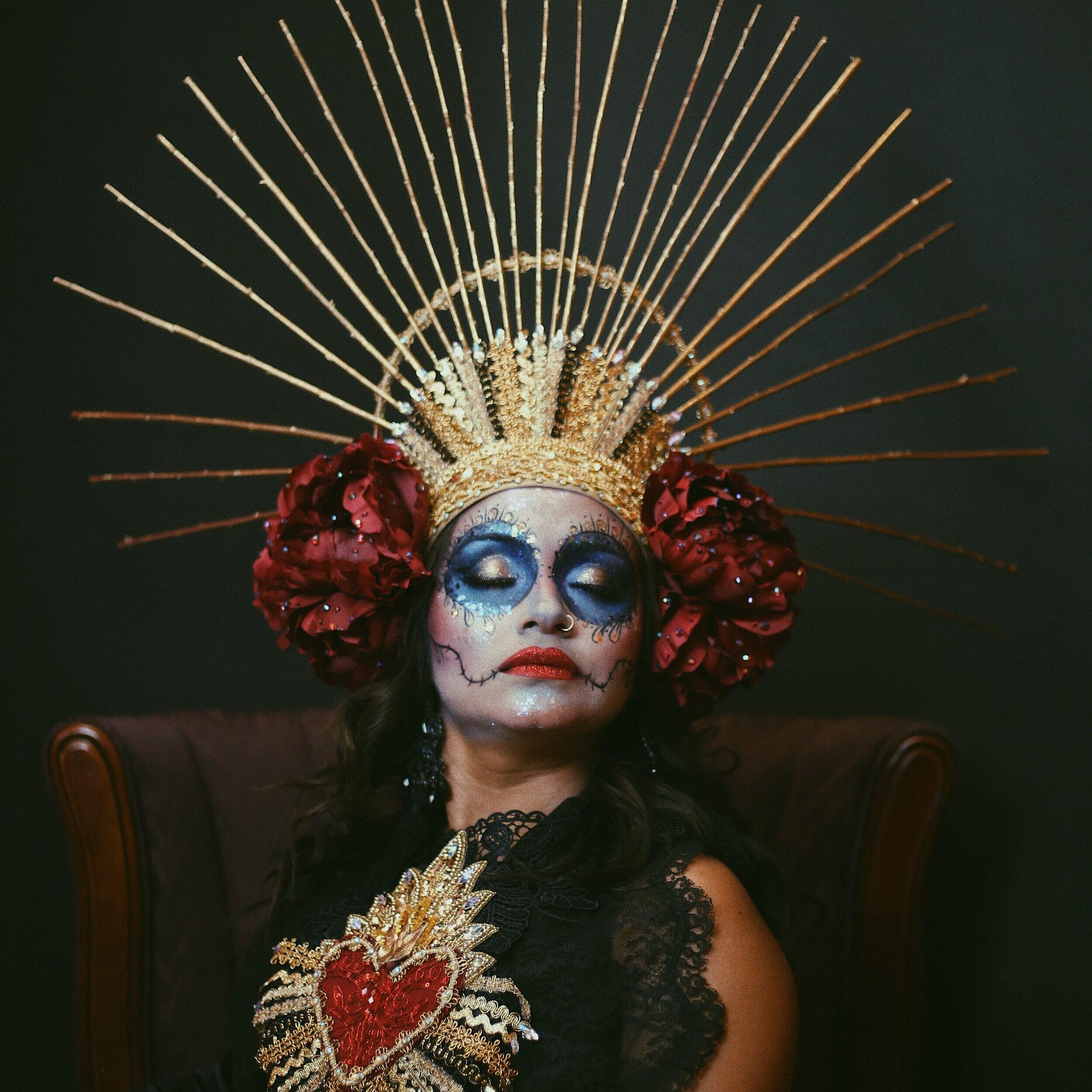 TAROT/SPIRITUAL GUIDANCE: VALERIA RUELAS