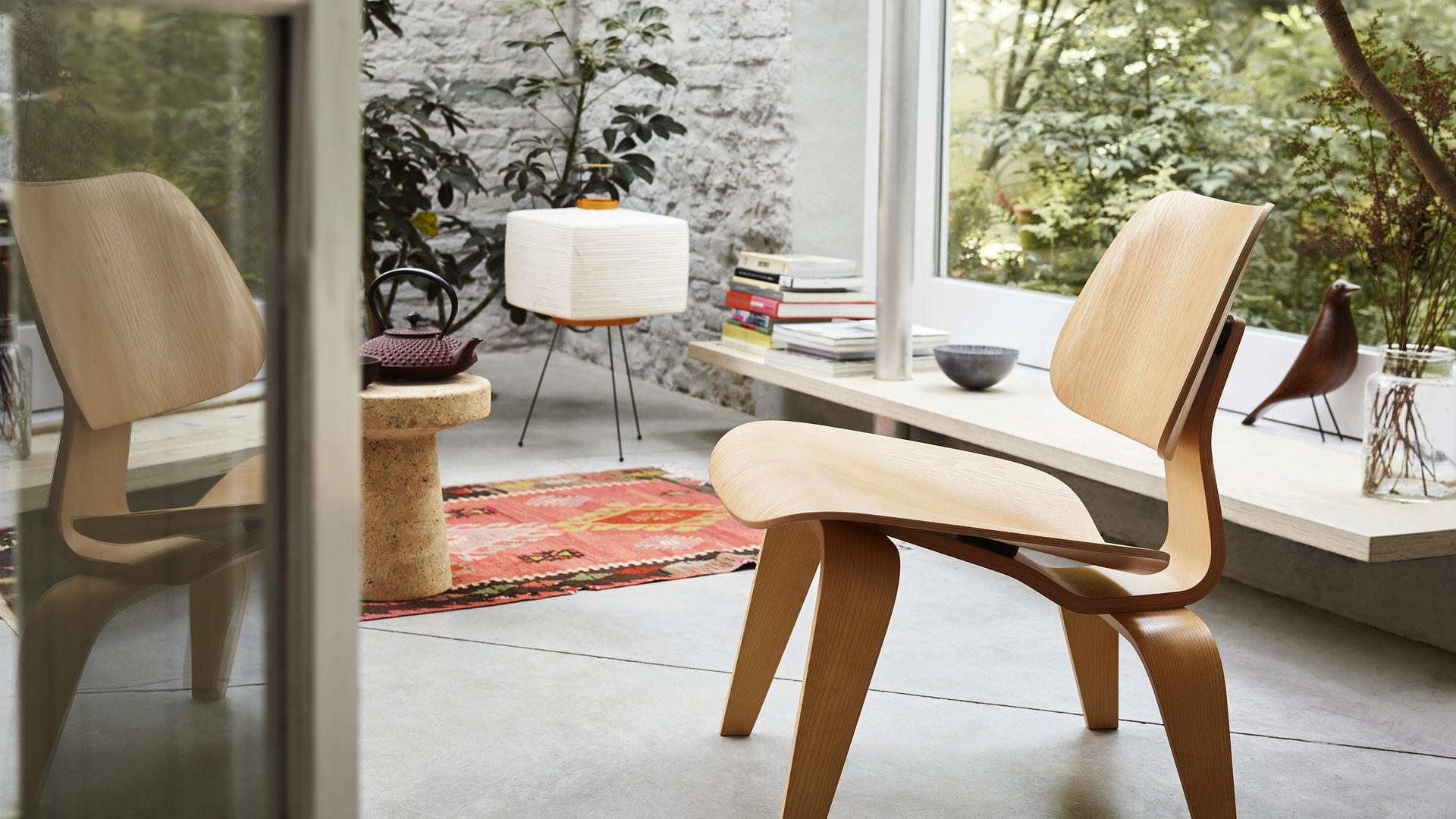 Eames LCW Chair 1.jpg