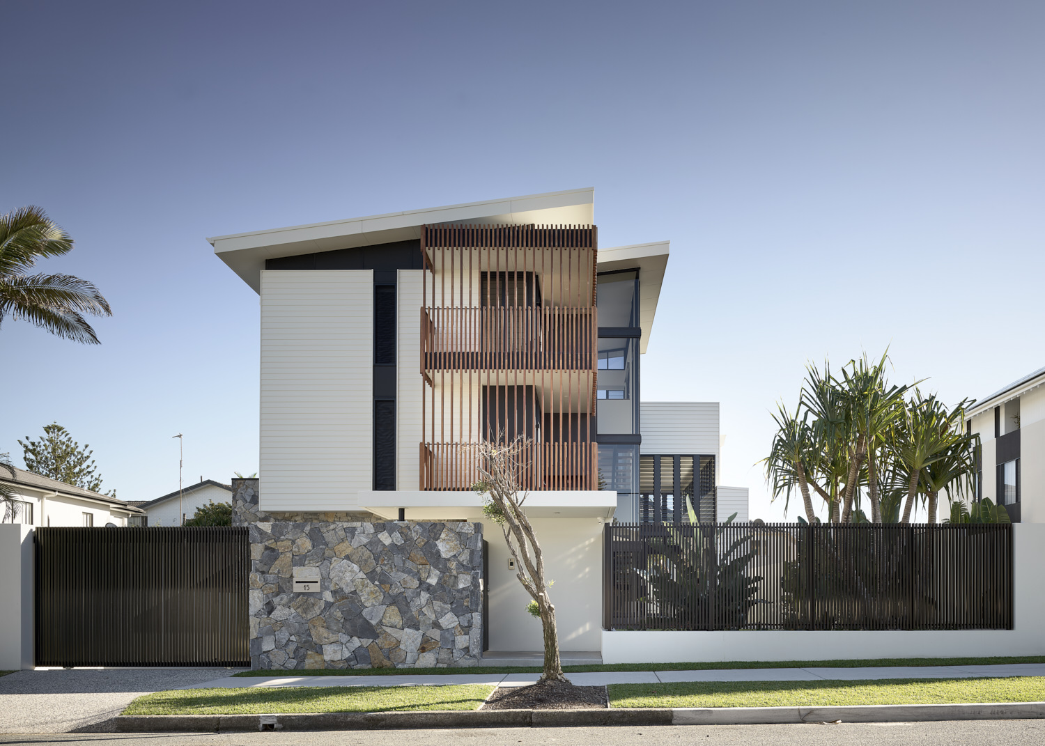 ARTHUR STREET FRONT FACADE & FRONT FENCE | PHOTO BY    SCOTT BURROWS