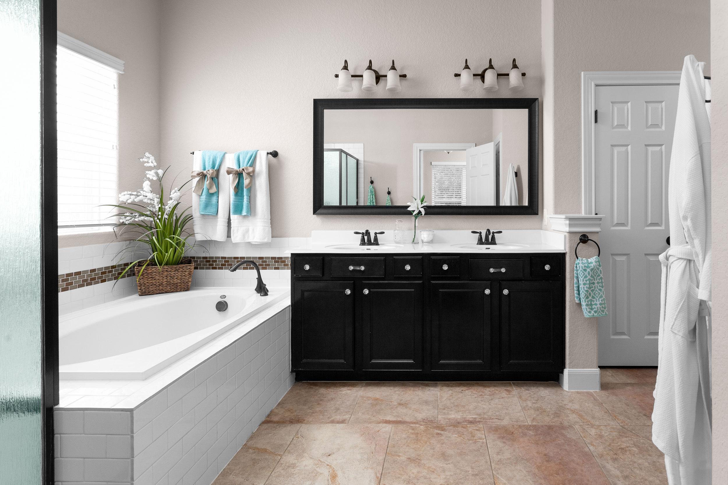 bathroom-design-pottery-barn-2.jpg