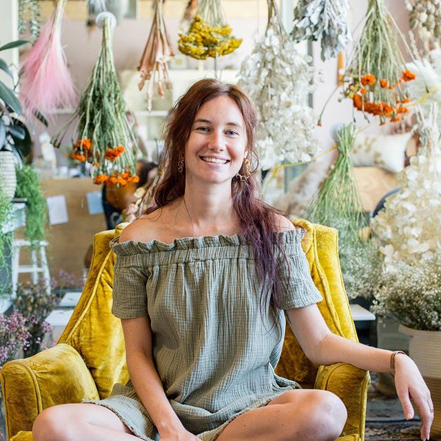 @allysun.snead is our resident Ayurveda expert and teacher! She's leading meditation and teaching a super important class this Saturday from 2-3:30 about living with the seasons and how to engage with fall in a fruitful way! $25, link to register in bio. Dm me with any questions! ALSO check out her blog on the site today! 🌼🌸🧘🏽♀️