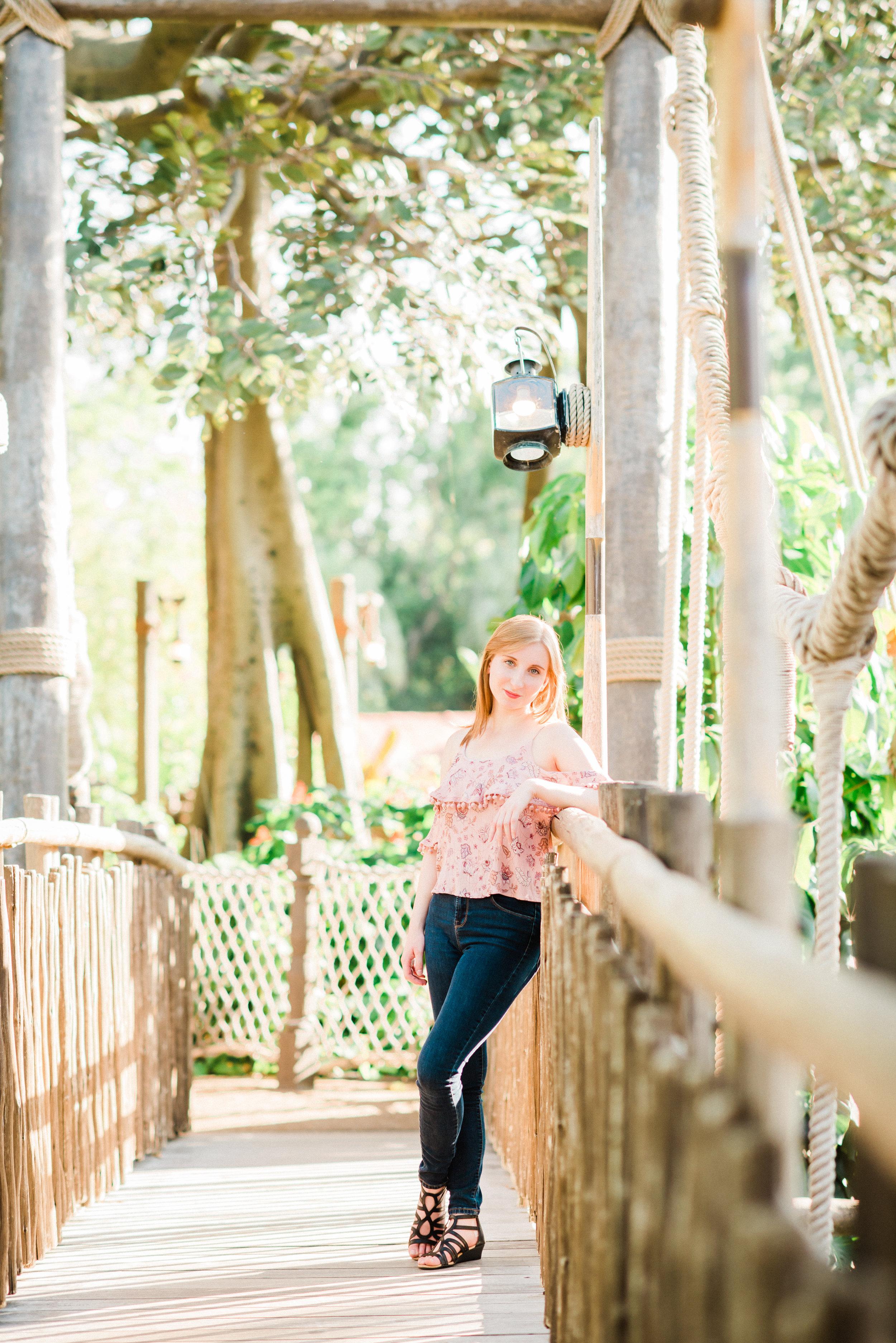 KateTaramykinStudios-Disney-World-Magic-Kingdom-Portraits-Jess-6.jpg