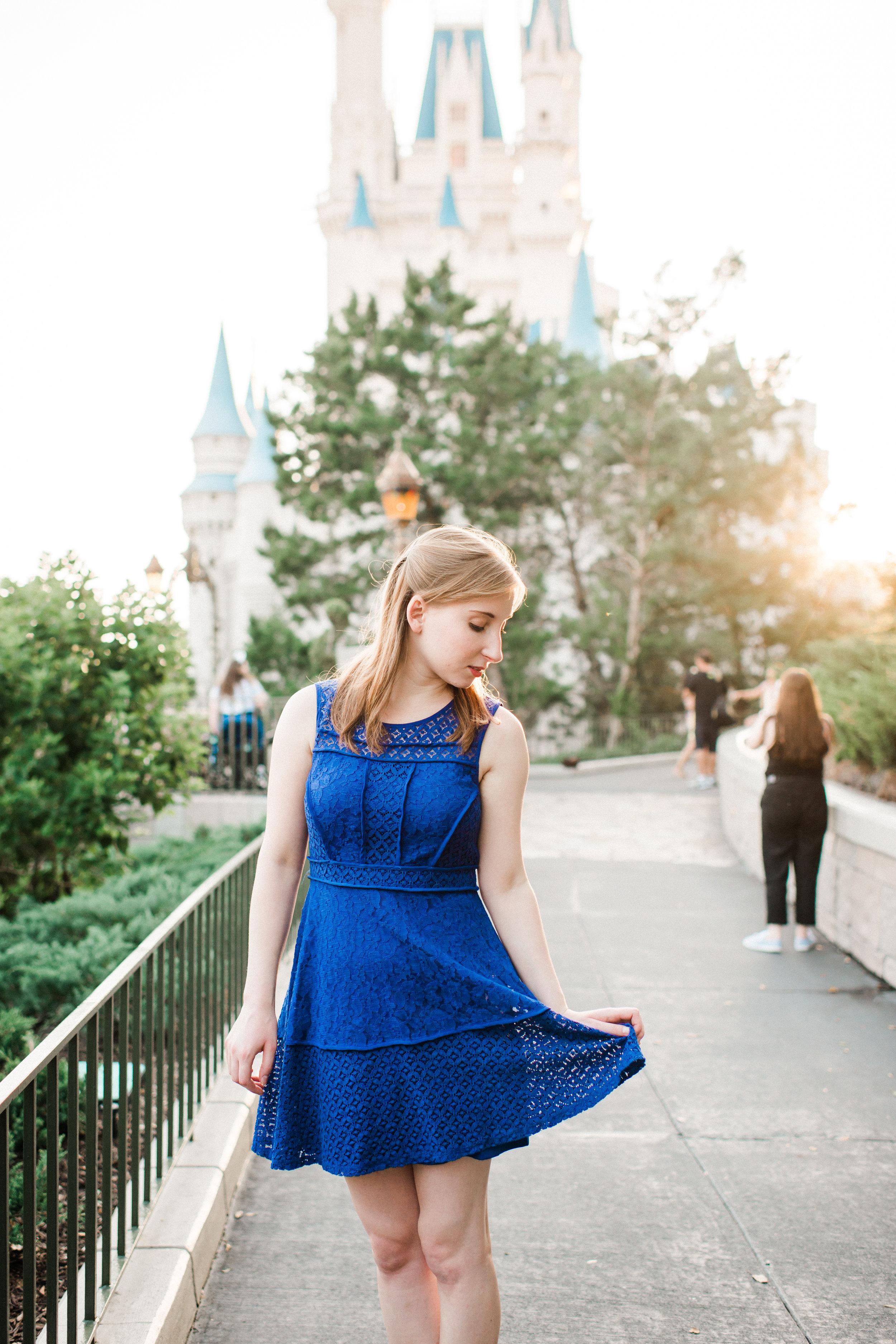 KateTaramykinStudios-Disney-World-Magic-Kingdom-Portraits-Jess-15.jpg