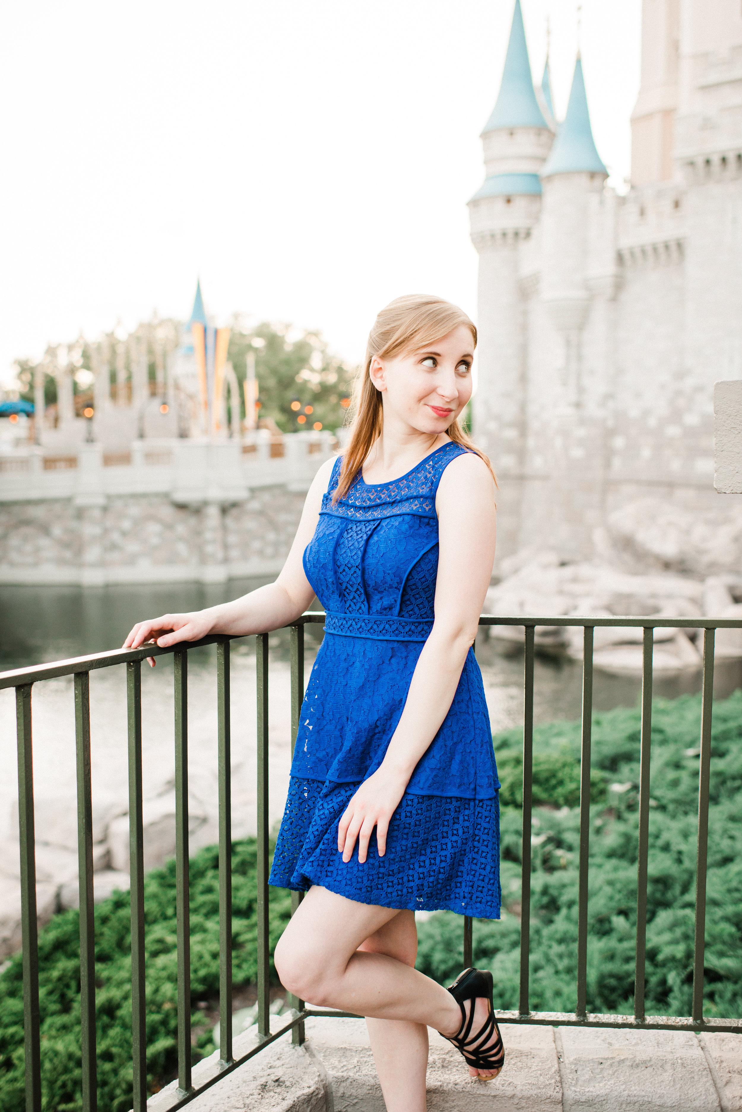 KateTaramykinStudios-Disney-World-Magic-Kingdom-Portraits-Jess-17.jpg