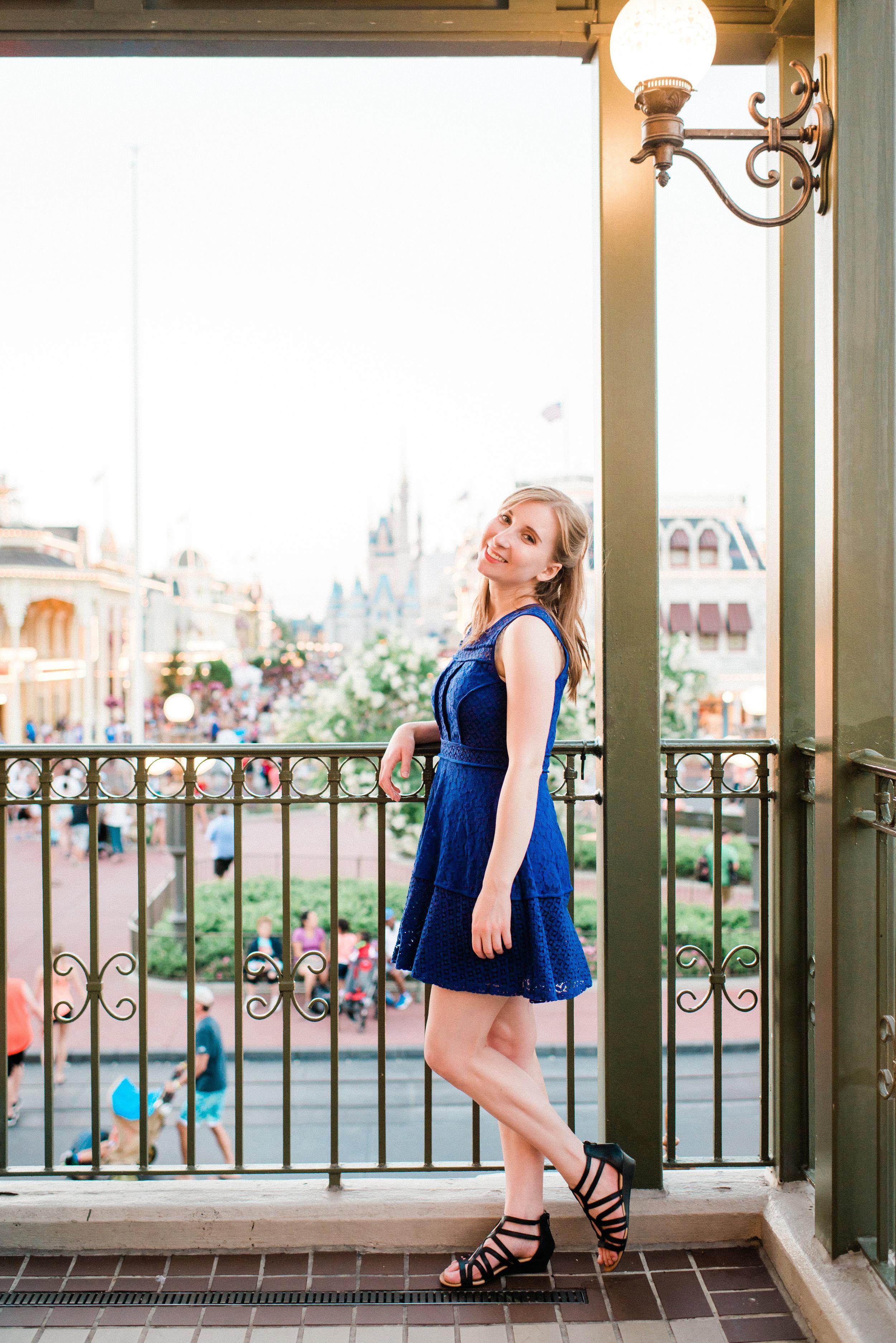 KateTaramykinStudios-Disney-World-Magic-Kingdom-Portraits-Jess-19.jpg