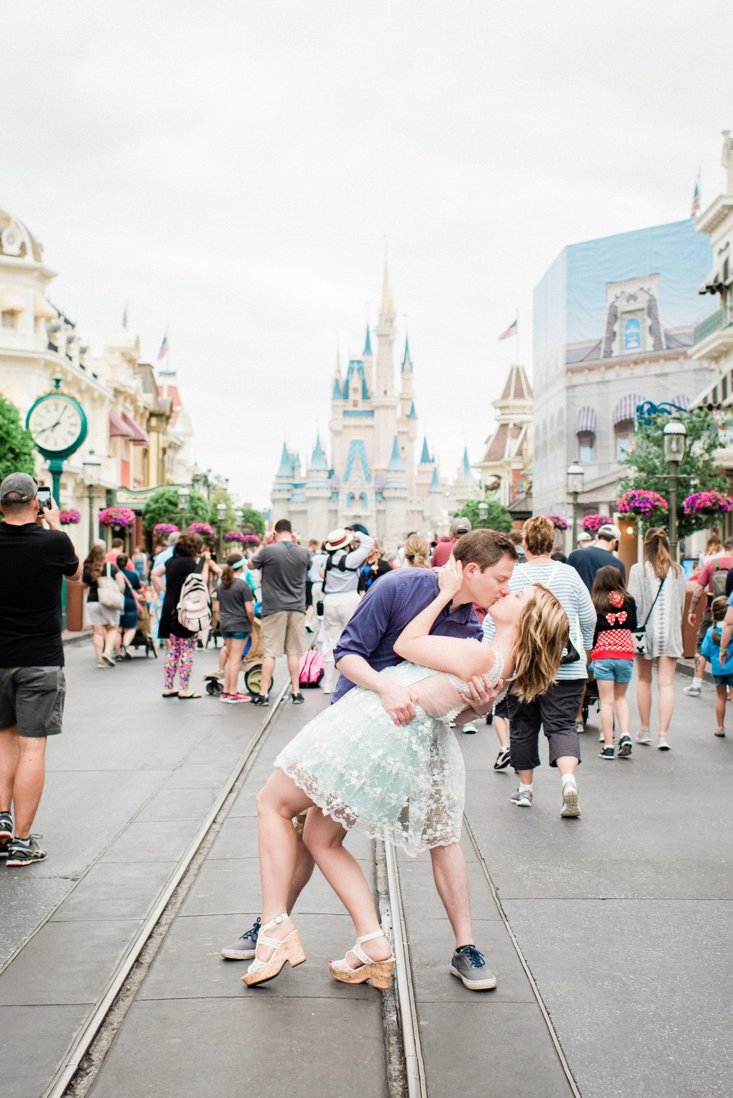 KateTaramykinStudios-Disney-World-Magic-Kingdom-Portraits-KristenDylan-5.jpg