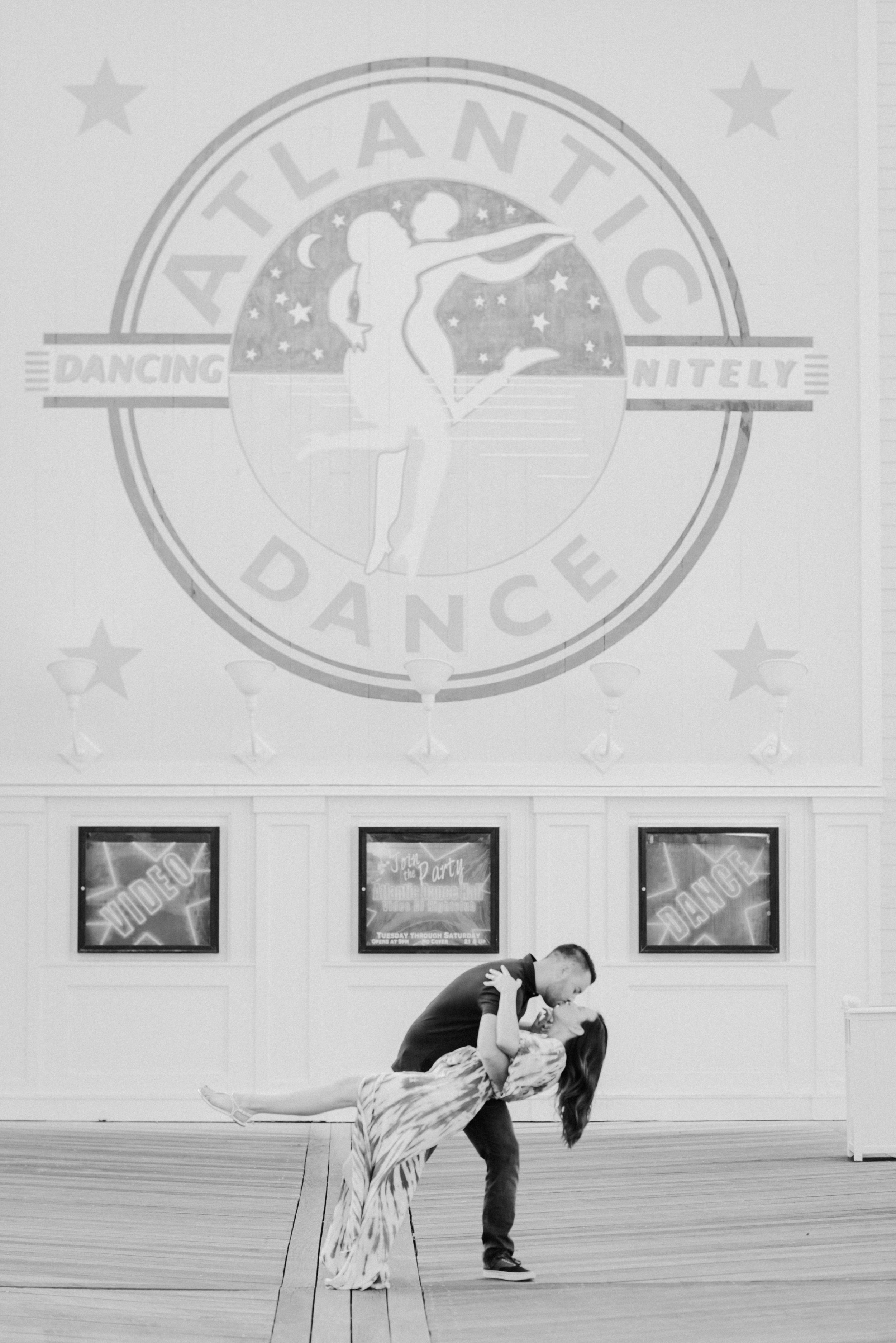 KateTaramykinStudios-Disney-Boardwalk-Couples-Portraits-KatMarc-8.jpg