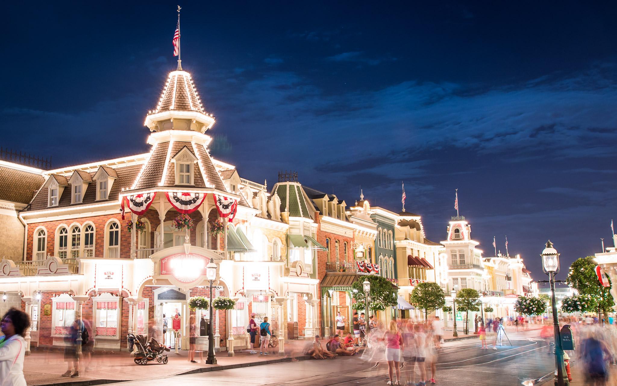 KateTaramykinStudios-Disney-World-Fourth-of July-2015-5.jpg