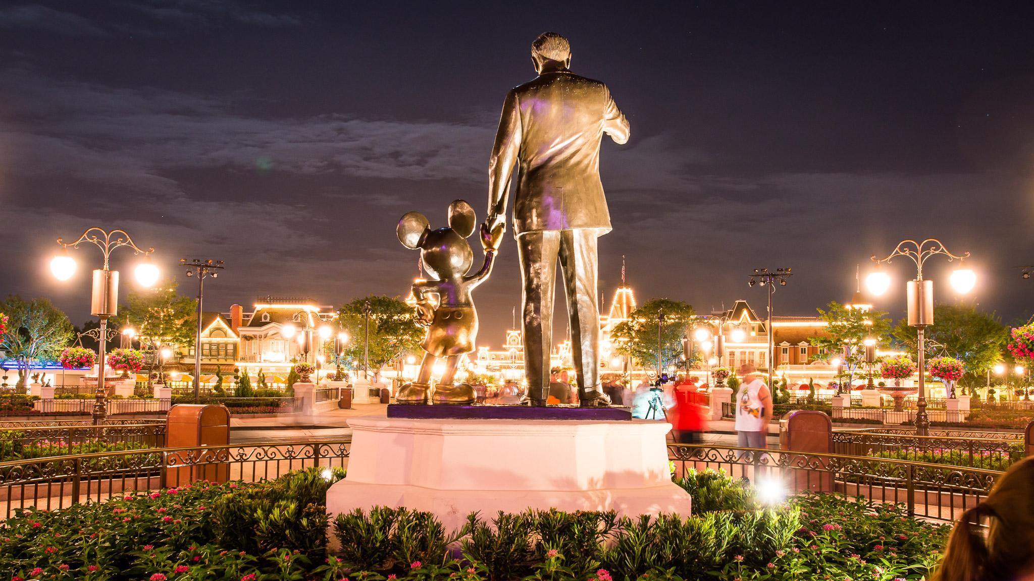 KateTaramykinStudios-Disney-World-Fourth-of July-2015-13.jpg