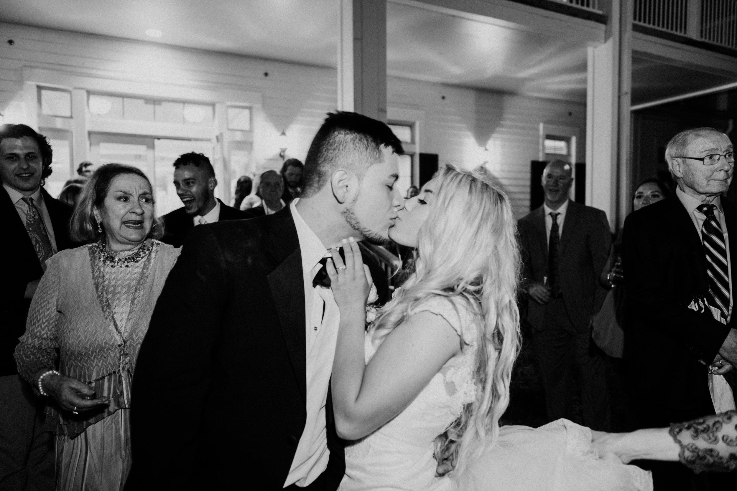 KateTaramykinStudios-Portfolio-Weddings-LeuGardens-20.jpg