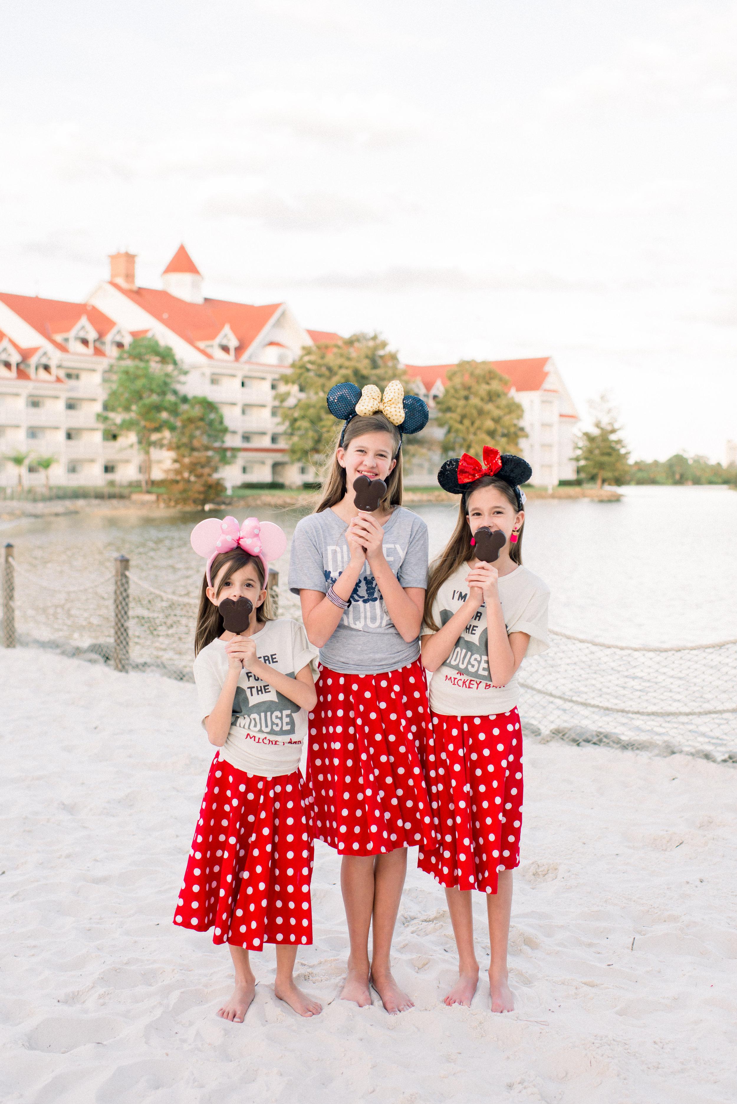 KateTaramykinStudios-Disney-Grand-Floridian-Family-Portraits-Kulwicki-15.jpg