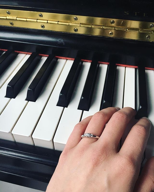 We're getting married! 💍@jessmaxk and @devinsufta got engaged over the holidays! That will be one Wedding we won't play for. 😜 We will play for yours, though! Check link in bio if you need musicians for your wedding. 🎹🎻🥁