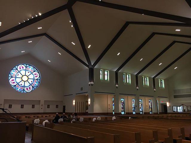 Got to play violin for Brittanie and Joshua's wedding  at St. Killian's Parish today! Such a beautiful church. Congratulations!! ❤️ #weddingmusic #weddingmusician #pittsburghmusic #pittsburghmusician #pghmusic #violinist #musician