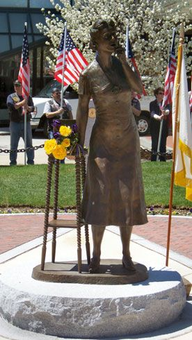 gsmma-ne-statue-dedicationday-276x490.jpg