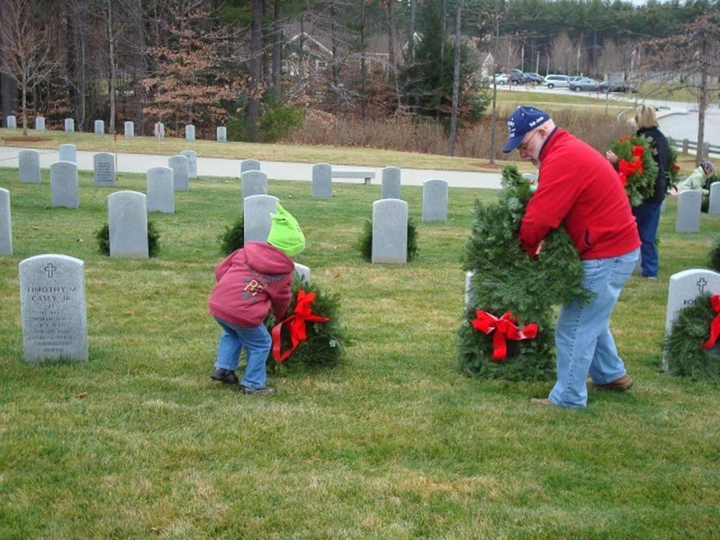 bob-and-wreaths-1024x768.jpg