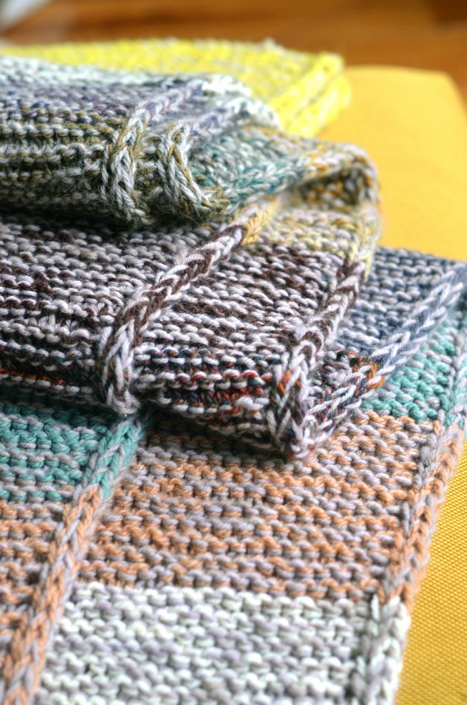 garter_squish_blanket.jpg